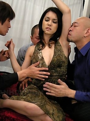 Maria Ozawa fingered by three men.